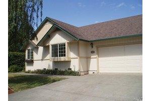 901 Wood Sorrel Dr, Petaluma, CA 94954