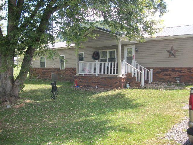 9012 New Garden Rd, Honaker, VA 24260