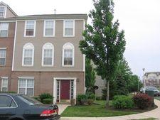 91 Woodlake Dr, Parlin, NJ 08859