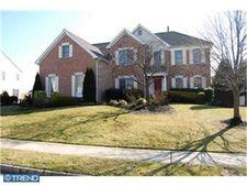 104 Oakmont Dr, Moorestown, NJ 08057