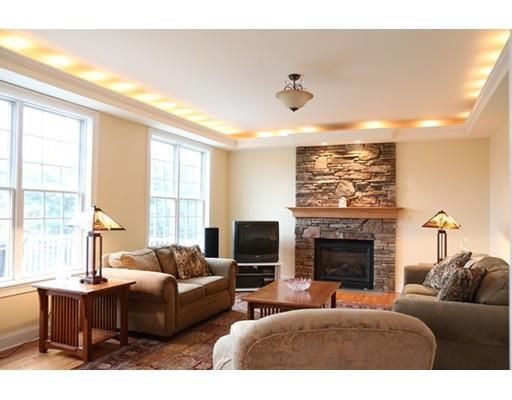 48 Tanglewood Rd, Amherst, MA 01002