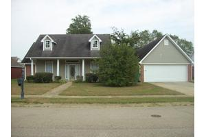 22 Ashley St, Tupelo, MS 38801