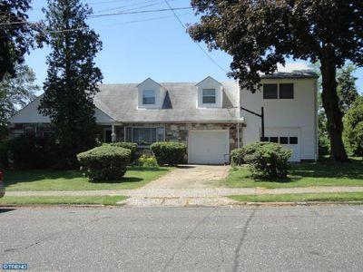 810 Hoffnagle St, Philadelphia, PA