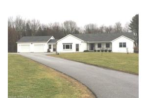 10 Tyler Dr, Preston, CT 06365