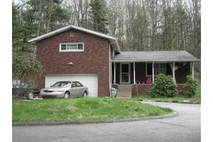 838 Webster Hollow Rd, Rostraver, PA 15012