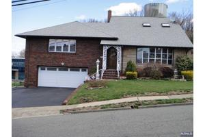 115 Alden St, Wallington, NJ 07057