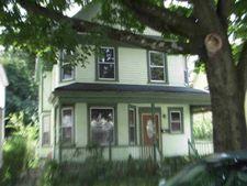 23 Dean Pl, Poughkeepsie, NY 12601
