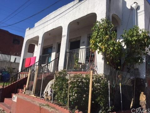 739 S Mathews St, Los Angeles, CA 90023