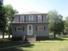 201 N Main St, Howard, SD 57349