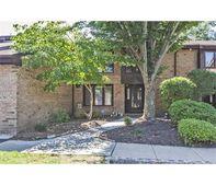 127 Willowbrook Dr, North Brunswick Township, NJ 08902