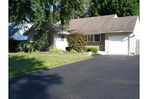 30 Terry Ave, Guilderland, NY 12303
