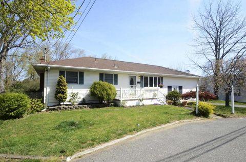 341 Leonardville Rd, Belford, NJ 07718