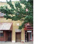 227 N Main St, Halstead, KS 67056