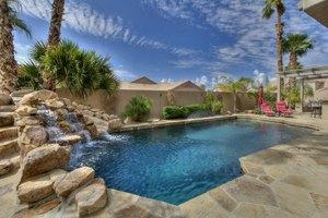 735 W Amberwood Dr, Phoenix, AZ 85045
