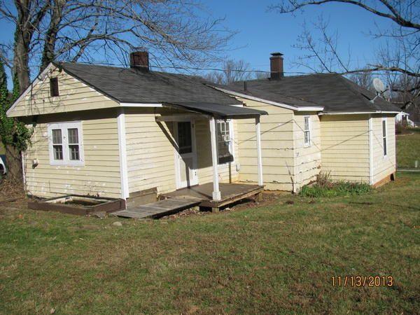 3209 Hogan Cir, Roanoke, VA 24014