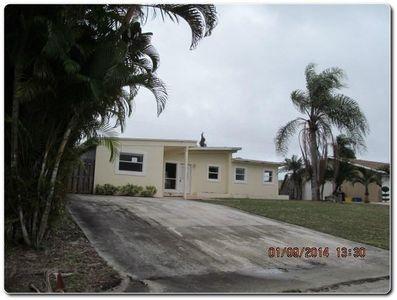 6624 Osborne Dr, Lake Worth, FL