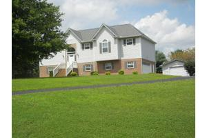 205 Pin Oak Ct, Spring Hill, TN 37174