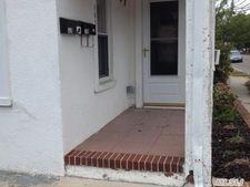 162 5th Ave Unit 1st, Bay Shore, NY 11706