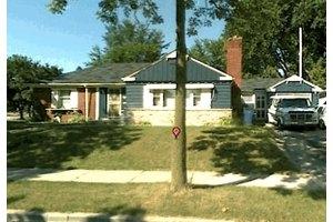 3909 N 58th St, Milwaukee, WI 53216