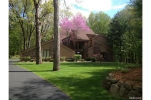 2009 Pine Hollow Trl, Brighton Twp, MI 48114