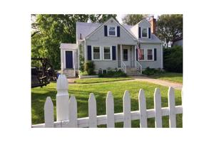 83 Luther St, Seekonk, MA 02771