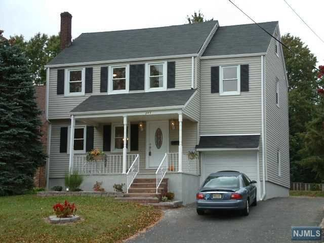292 grove st clifton nj 07013 home for sale and real for Granite kitchen and bath clifton nj