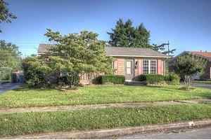 2113 Sage Rd, Lexington, KY 40504