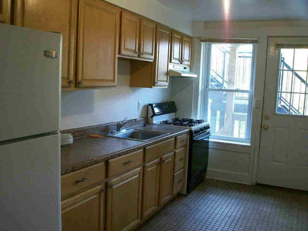 139 Rombout Ave Apt 4, Beacon, NY 12508 - realtor com®