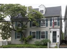 195 Washington St, Marblehead, MA 01945