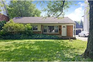609 N County Line Rd, Hinsdale, IL 60521