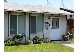 609 1/2 S 15th Ave, Yakima, WA 98902