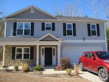 121 Hunting Wood Ln, New Bern, NC 28560