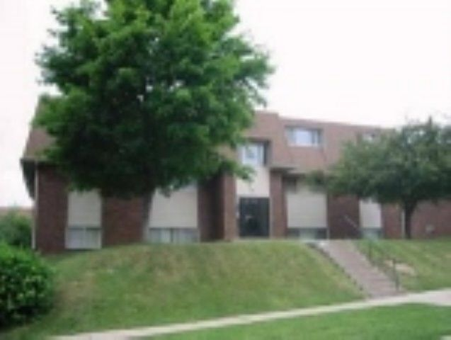 914 20th Avenue Pl Coralville, IA 52241