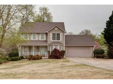 76 Blacks Mill Dr, Dawsonville, GA 30534