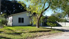 909 N Reynolds St, Alice, TX 78332