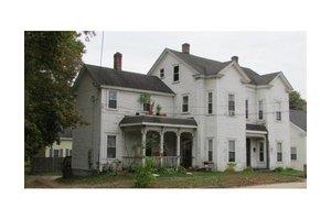 71 Main St, Blackstone, MA 01504