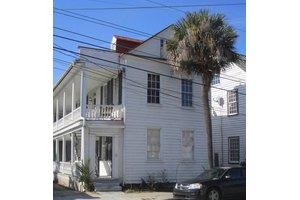 147 Saint Philip St, Charleston, SC 29403