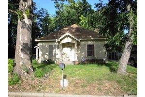 305 S Mill St, Winnsboro, TX 75494
