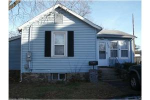 158 Whiting St, Plainville, CT 06062