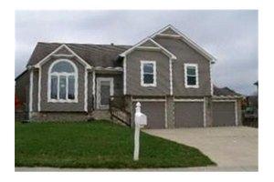 21209 W 53rd St, Shawnee, KS 66218