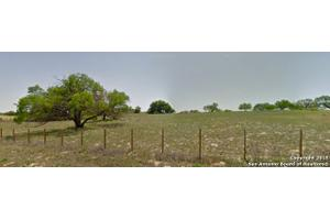 603 County Road 126, Floresville, TX 78114