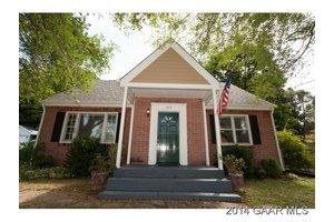1515 Spring Hill Rd, Staunton, VA 24401