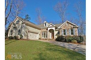8840 Bayhill Dr, Gainesville, GA 30506