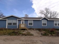 611 1st Ave Nw, Crosby, ND 58730
