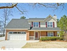 545 Weeping Willow Dr, Loganville, GA 30052