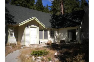 31729 Valley View Dr, Running Springs Area, CA 92382