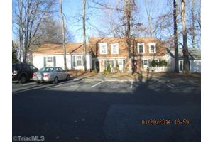 3313 Regents Park Ln, Greensboro, NC 27455
