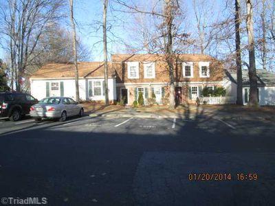 3313 Regents Park Ln, Greensboro, NC
