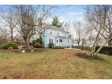 13 Salem Pl, Stamford, CT 06907