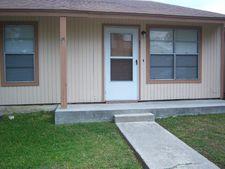 1051 Country Club Dr Apt 15, Seguin, TX 78155